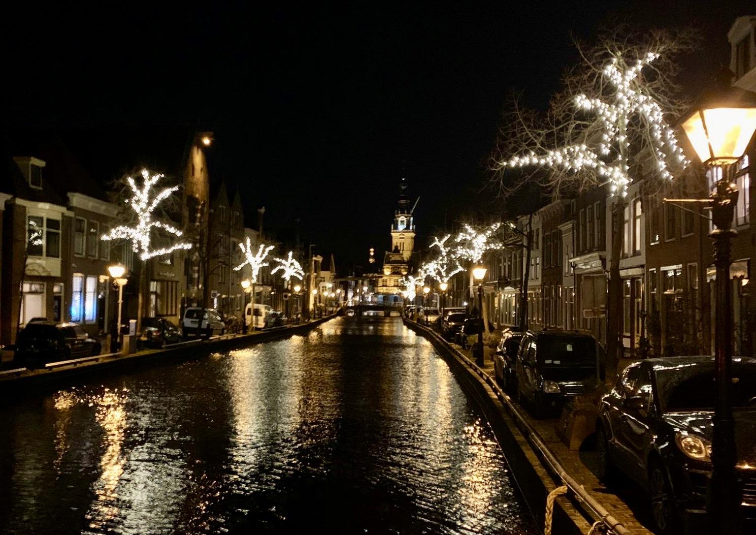 Alkmaar's Luttik Oudorp by night